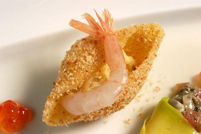 Gambero in crosta, un antipasto del menù del ristorante Rosa Croce di Parma