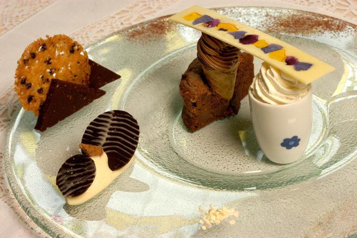 Trionfo di cioccolato. Un dolce del menù del ristorante Rosa Croce di Parma